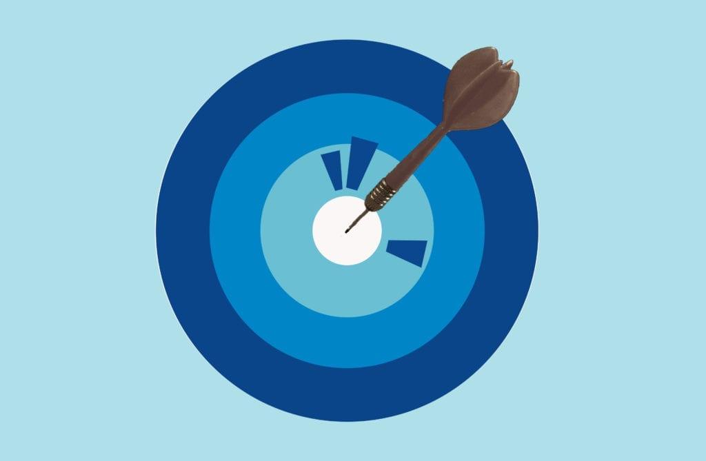 Pfeil auf Zielscheibe in verschiedenen Blautönen
